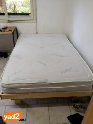 מצטיין מזרון ובסיס של מיטה וחצי, ריהוט מיטות וחצי יד שניה - ad EY-86